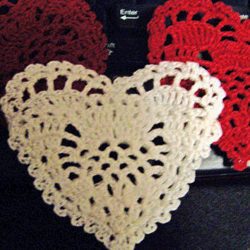 Crochet Gift Bag, Charted Pattern for 'A Merry Heart' pocket, PDF - wedding favor, candy/soap heart, love note, scrapbook, package tie.