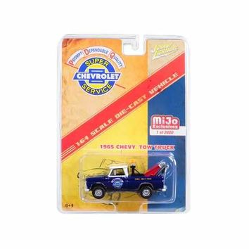 1965 Chevrolet Tow Truck Limited Edition to 2400 pieces Worldwide 1/64 Diecast Model Car by Johnny Lightning