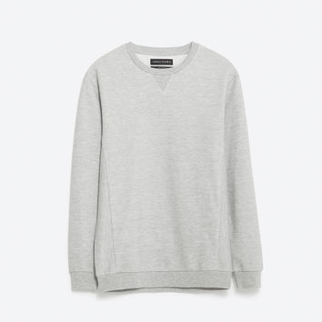 BASIC CLOSED SWEATSHIRT