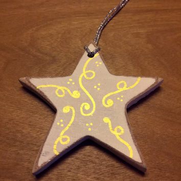 White Wood Ornament / Rustic Christmas Ornament / Star Christmas Ornament / Holiday Ornaments / Handpainted / White and Gold