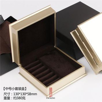 Surfacs Golden Lacquer jewelery Box and the jewellery travel store or storage collecting kit case jewelry gift boxes for present