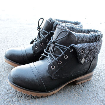 cozy womens sweater boots - black