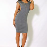 (ami) Side less round neck grey dress