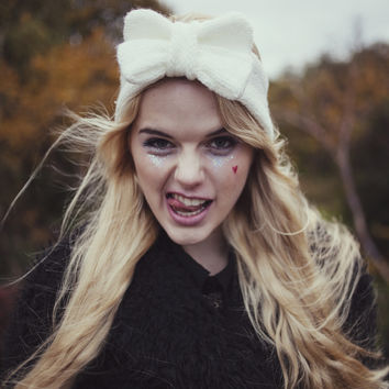 Knitted Bow Headband, Knitted Headband, Cute and Cosy Ear Warmer in Sparkly Glitter Cream