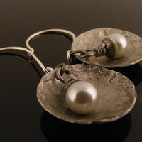 Domed Metal Disc Pearl Earrings by JenniLeighCreations on Etsy