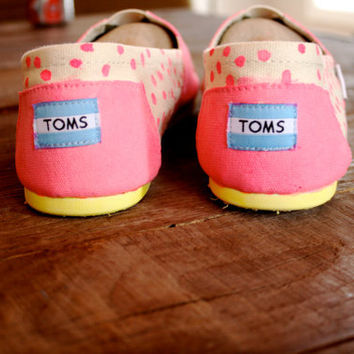 Glow In The Dark Toms made to order by ElizabethRoseShoes on Etsy