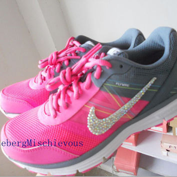 us Size 6.5 Nike 2015 new woman running shoes Pink   White   Black Rhinestone  sports df18b22b9