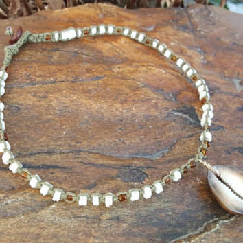 Cowrie Hemp Choker, Whole Cowrie Shell, Mermaid Hemp Choker, Puka Shell Necklace, Hemp Jewelry, Surfer Girl Jewelry, Shell Choker, Handmade