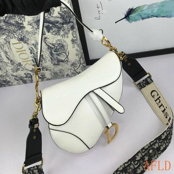 435 Dior Fashion Leather Be A Classic With Classic Saddle Bag 24.5-20-5cm