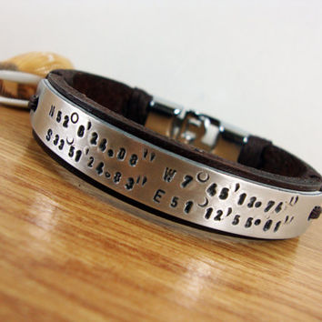 FREE SHIPPING - Men Personalized Bracelet, Men's Bracelet. Men Bracelet. Hand press Aluminum plate. Compass,Coordinate Personalized Bracelet