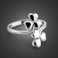 New fashion 925 sterling silver ring.Women's silver clover rings.Solid silver ring can be adjusted.Charming lady silver jewelry