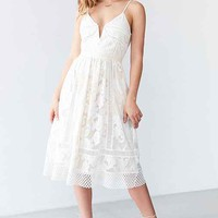 Saylor Phoebe Floral Lace Midi Dress