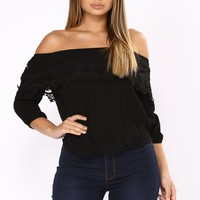 Skylar Off Shoulder Top - Black