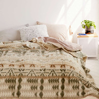 Brushed Geo Camp Bed Blanket - Urban Outfitters