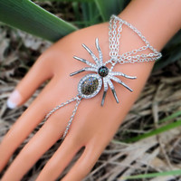 Spider Hand Chain, Halloween  Infinity Ring, Hand Harness, Slave Bracelet, Body Jewelry, Body Chain, Hand Jewelry
