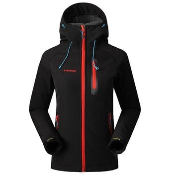 SAENSHING Softshell Jacket Women Brand Waterproof Rain Coat Outdoor Hiking Clothing Female Windproof Soft Shell Fleece Jackets