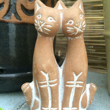 Vintage Figurine Two Cats Friends siblings Terracotta Ceramic White Engraved Lines cat kitty kitten twins brothers sisters pet animal