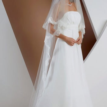 be-veil_s168 Two-layered veil with fine lace edge