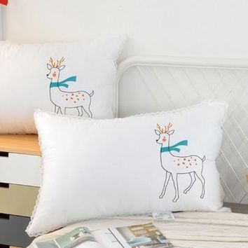 Scalloped Lace Trim Deer Print Pillow 1pc