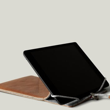 Lean iPad Case & Stand