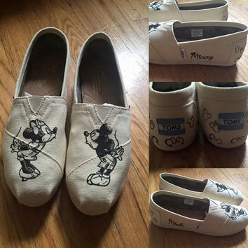 MINNIE & MICKEY Sketch Disney Shoes. Mickey Toms. Mickey and Minnie Kissing Shoes. Minnie Mouse Toms. Mickey Mouse Vans.