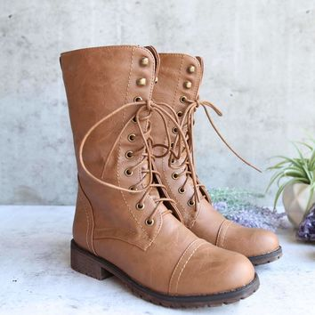 lace up combat boot - tan