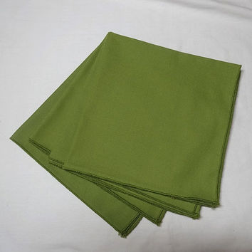 Set of 4 Vintage 1990s Dinner Napkins in Olive Green, 17 Inches Square, Poly Cotton Blend, Bound Edges, Vintage Linens, Home Fall Decor