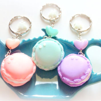Star heart Pastel macaron keychain - sweets - polymer clay cute charm - miniature fake food charm - kawaii keychain - Fairy kei