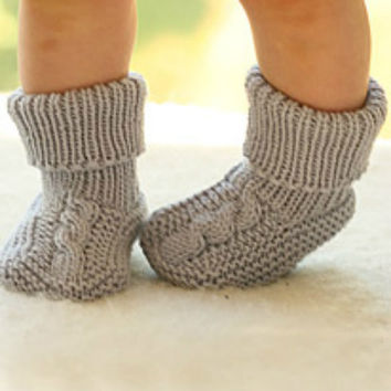 Knit baby booties. Knitted baby socks. Unisex baby booties. Handmade. Merino wool. Newborn to 18 months Baby shower gift. Children clothing