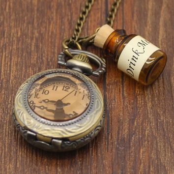With A Bottle Of Classical Clamshell Antique Style Retro Bronze Watch Carved Tea Color Glass Mini quasi-quartz Necklace