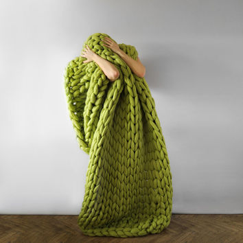 Large blanket .Grande punto. In best Spring color — Caipirinha. Chunky knit blanket. Cozy blanket. Big yarn blanket. Merino wool.