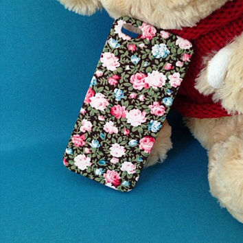 iphone 4 case floral iphone 4s case floral Fabric by WTiPhoneCase