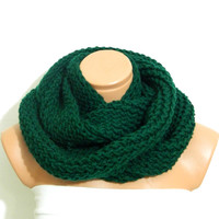 Hand Knit infinity Scarf. Dark Green scarf..Block Infinity Scarf. Loop Scarf, Circle Scarf, Neck Warmer. Emerald Green Crochet Infinity