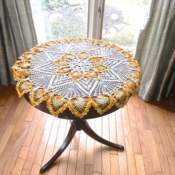 "Round Crocheted Tablecloth,86 cm/34"" Orange Yellow White Tablecloth,Round Tablecloth,Pineapple Design,Vintage Crochet Doily,Crochet Linens"