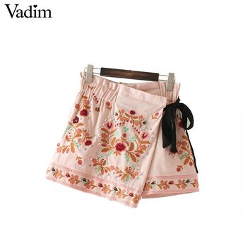 Vadim women sweet floral embroidery rivet skirt shorts bow tie elastic waist European style ladies fashion mini skirts BSQ586