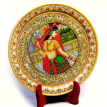 Aakashi Gold Plate With Stand