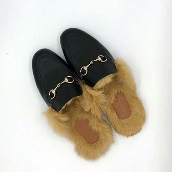 GUCCI : Flat bottomed single shoe sandals