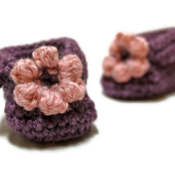 Crochet Flower Baby Booties by makinitmama on Etsy