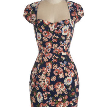Vintage Inspired Mid-length Cap Sleeves Sheath Bouquet Basket Dress