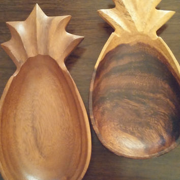 Wood serving dishes, set of 2 pineapple shaped wood bowls, vintage wood bowls, serving bowls