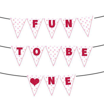 Fun To Be One Sweetheart 1st Birthday Banner - Pennant Red Glitter Banner for 1st Birthday Girl - Valentine 1st Birthday - Heart Polka Dots
