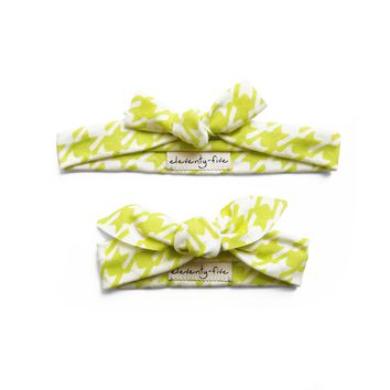 Set of Two Cats-Tooth Organic Stretch Knit Head Tie in Lime Green For Mom & Baby