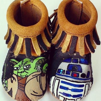 Custom Hand Painted Star Wars Yoda R2D2 Baby Moccasins