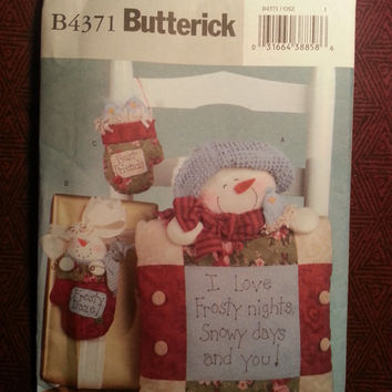 Uncut 2004 Butterick Sewing Pattern, 4371! LUV N Stuff Crafts/Winter/Christmas Holiday Decor/Frosty Daze Pillows/Ornaments