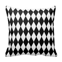 Black and White Diamond Harlequin Pattern
