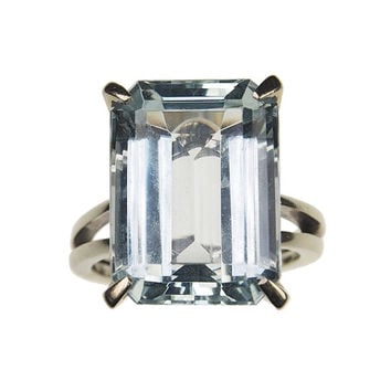 Antique Engagementring Berlin - 1940, 18 ct. gold with Aquamarine, Art déco France
