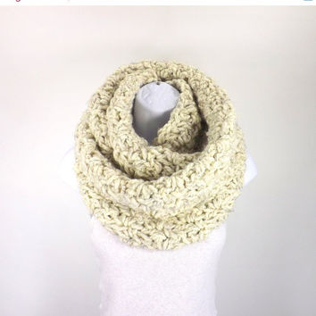 SALE Chunky Infinity Scarf /WHEAT/, Unisex Chunky Scarf, Men Woman Infinity Scarf, Gift Idea
