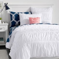 Pucker Up Comforter + Sham, White