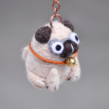 Needle felted Pug keychain, Pug dog keychain, pug figurine, needle felted dog, pug miniature, pug gift, dog lover gift, pug accessories