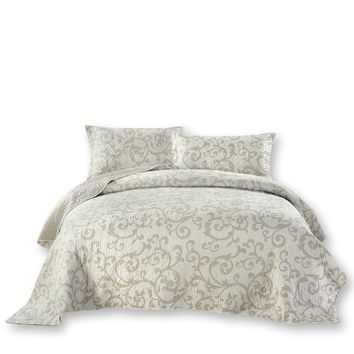 DaDa Bedding Luxe Couture Floral White Freesia Vineyard Elegant Coverlet Bedspread Set (HS-8760)
